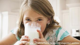 لزوم احتیاط در مصرف شیر