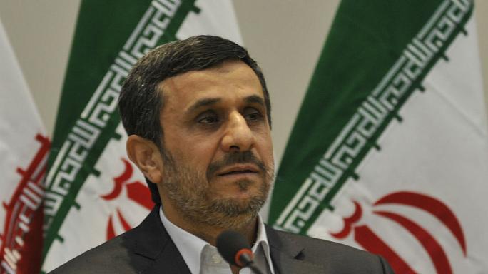 انتقاد تند احمدی نژاد از دستگاه قضایی و پاسخگو نبودن خامنهای