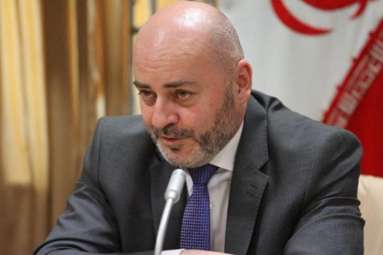 سفارت چک در تهران «خارج از روال قانونی» دهها ویزای شنگن به اتباع ایرانی داده است