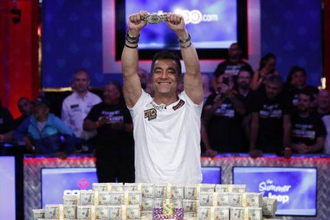 حسین انسان، برنده جایزه ده میلیون دلاری قهرمانی جهانی پوکر