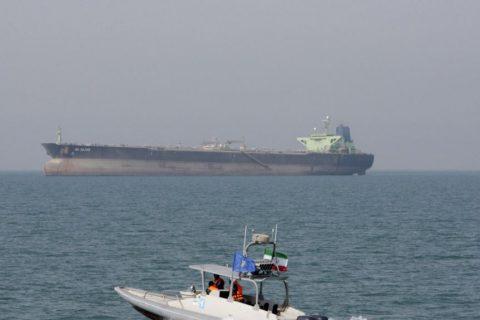 سپاه پاسداران از توقیف یک نفتکش بریتانیایی در تنگه هرمز خبر داد