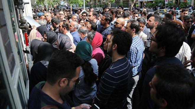 دلار تک نرخی بازار سیاه ارز را در ایران تقویت کرد