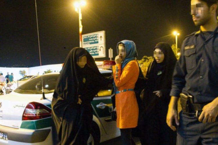دستگیری بیش از ۲۳۰ جوان در تهران در شب یلدا
