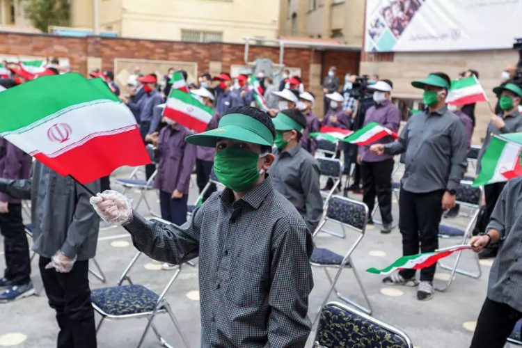 کرونا در ایران: شمار مبتلایان در آذربایجان شرقی دو برابر شد؛ دانش آموزان عامل چرخش ویروس بین خانواده ها هستند!