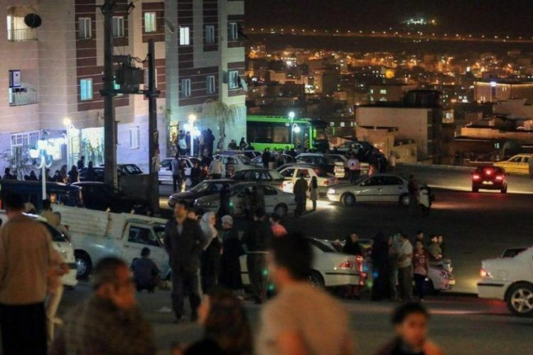 زلزله ۵/۱ ریشتری تهران دو کشته و ۲۲مصدوم برجا گذاشت؛ توصیه مقامها برای تداوم بیرون ماندن مردم!
