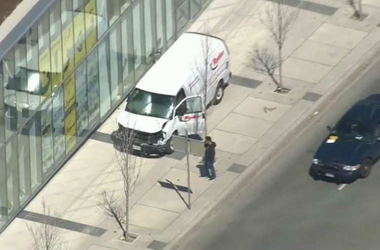 حمله تورنتو؛ 10 کشته، ۱5 زخمی