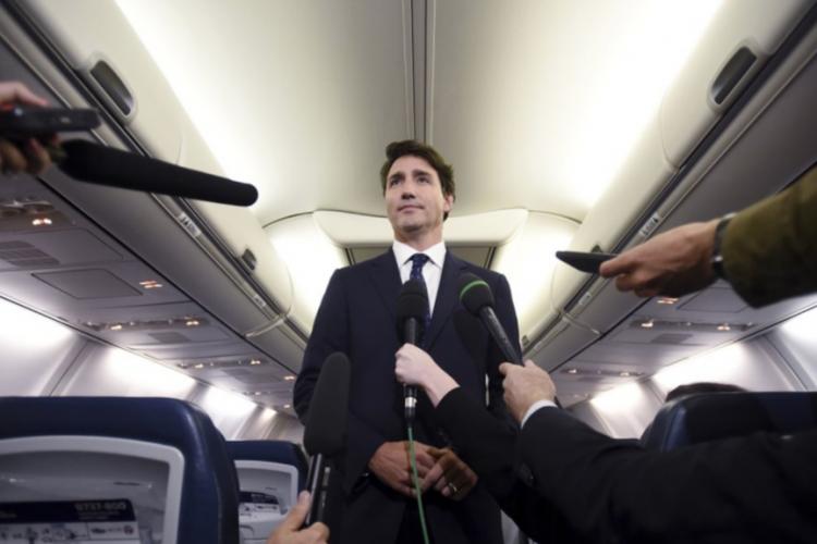 انتشار یک عکس قدیمی از نخست وزیر کانادا با صورت تیره جنجالی شد